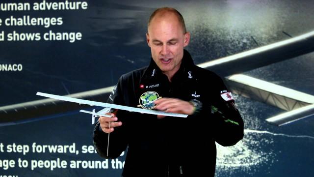 VIDEO: Solar Impulse II při přístání v Japonsku drobně poškozen!