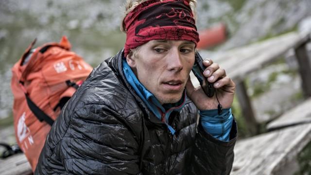 X-Alps 2015 – Den 6 – Letový den! Maurer u Matterhornu, Mayer za St. Moritzem a drží kontakt. A drží i jeho kosti… (+ rozhovor)