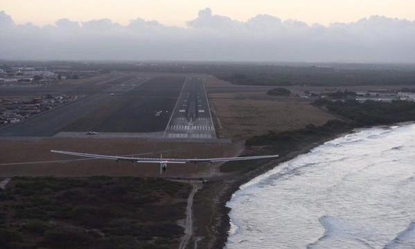 Letoun na sluneční energii přistál v pátek v 17:55 po pětidenním non-stop letu na Havaji! Sledovali jsme on-line!
