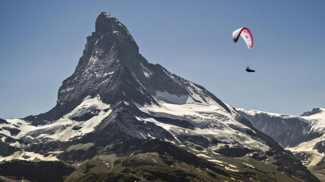 X-Alps 2015 – Den 7 – Dobývání Matterhornu. Stanislav Mayer zpátky v první desítce! (+ ranní briefing P. Kostrhuna)