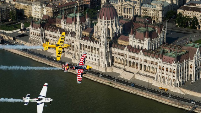 Red Bull Air Race pokračuje o víkendu v Budapešti! (sledujeme)