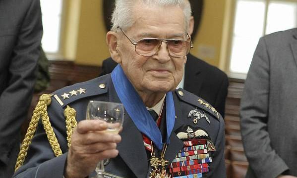 Plk. Imrich Gablech, veterán RAF – 100 let!