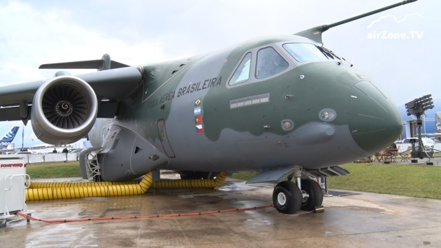 Farnborough 2016 – středa 13. 7. – KC-390, dobré zprávy pro Jihostroj a nějaké létání