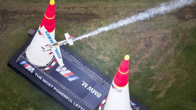 Sledujte předposlední závod Red Bul Air Race 2016 on-line dnes večer!