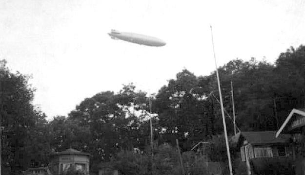 Letecká legenda Zeppelin stále přitahuje pozornost, děti zaujala v Café Nobel