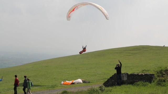 Známe premiérové české mistry v hike & fly paraglidingu