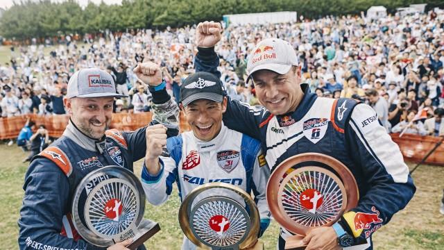 Kopfstein i Šonka na stupních vítězů, vítězí Japonec Muroya (aktualizováno o rozhovory)