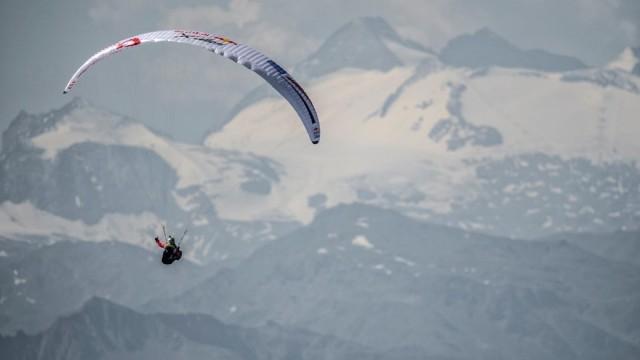X-Alps 2017 – DEN 6 – Stanislav Mayer je už na 4. místě, ve 20:40 přistál u Lago di Garda (ve 22:00 rozhovor se Standou Mayerem)