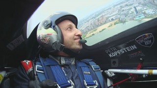 Red Bull Air Race Kazaň – Kirby Chamblis vítězí a vede, Petr Kopfstein čtvrtý, Šonka devátý (sledovali jsme on-line)