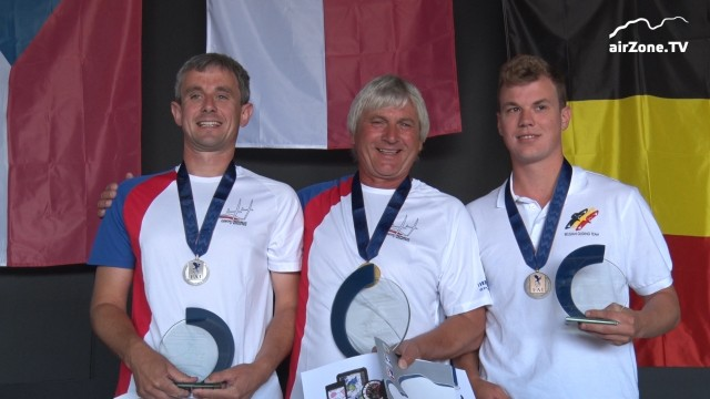 EGC 2017 – Mistrovství Evropy v plachtění 2017 – DEN 14 – Medaile jsou rozdány, mistry Evropy jsou Čech Loužecký, Nizozemec Kuijpers a Poláci Kawa s Matkowskim