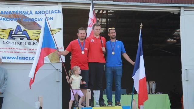 6. FAI ME v motorovém paraglidingu – stříbro má Gabriel Toman, české týmy tři bronzové medaile
