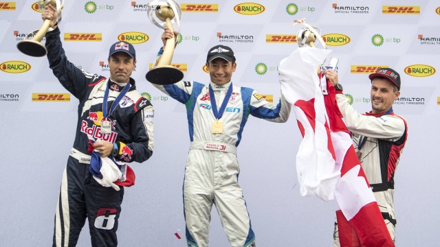 Rekapitulace: Martin Šonka v Red Bull Air Race 2017 druhý, raduje se Muroya (+ reakce Fanclubu Martina Šonky a Petra Kopfsteina)
