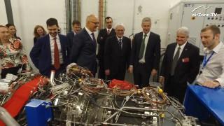 VIDEO: Nový velvyslanec USA v ČR Steve B. King navštívil GE Aviation Czech