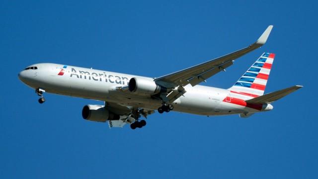 Vysílali jsme živě: Největší světová aerolinka American Airlines bude létat mezi Filadelfií a Prahou