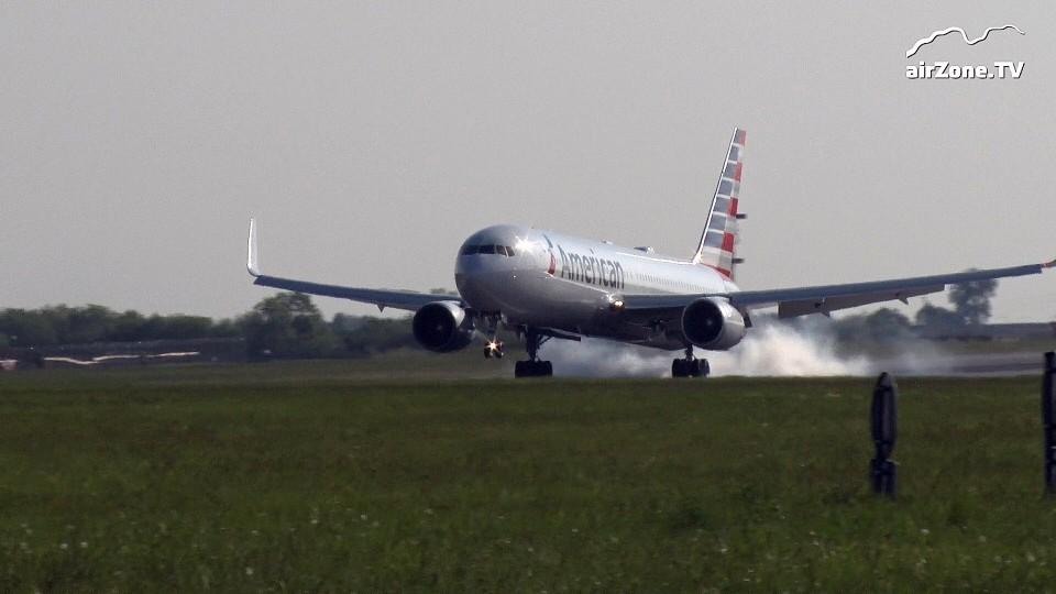 VIDEO: Let American AA 52 z Filadelfie přistál poprvé v Praze