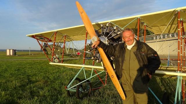 Vladimír Handlík doletěl s replikou letounu Caudron G.3 do Francie a zpět