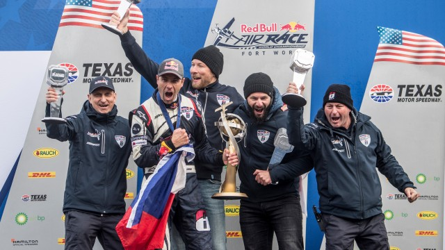 Martin Šonka ovládl Texas i celý Red Bull Air Race 2018