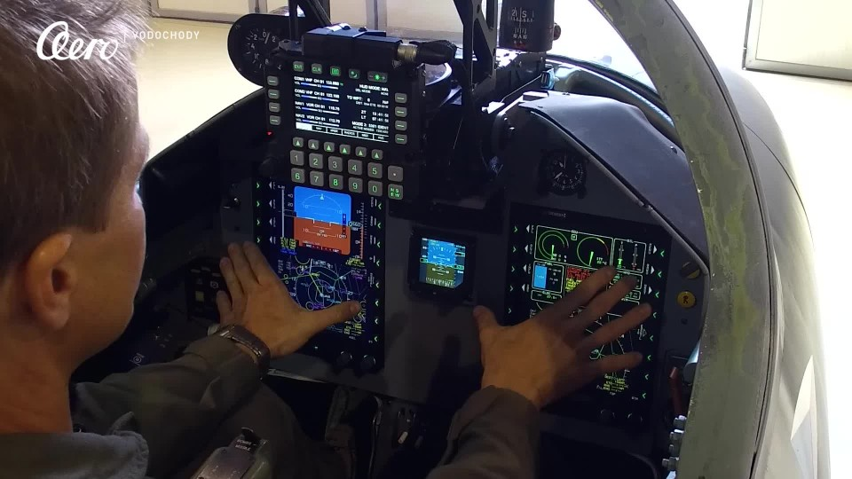 VIDEO: Nová avionika pro L-39NG