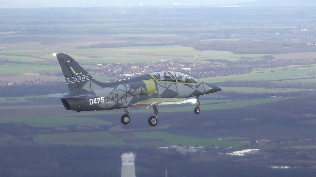 VIDEO: Letoun L-39NG absolvoval první let