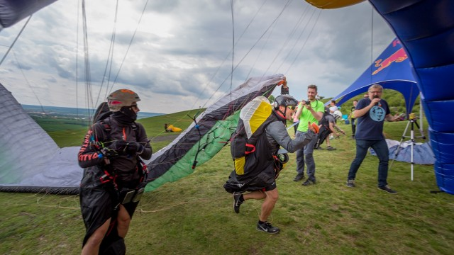 Paraglidista Mayer obhájil titul mistra ČR v hike & fly
