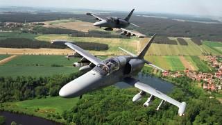 Aero podepsalo s obranou smlouvu na opravy letounů L-159 za 1,6 miliardy korun (video v článku)