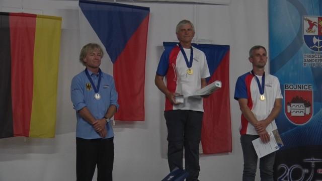 Loužecký obhájil titul mistra Evropy v plachtění, Cink třetí, tým druhý