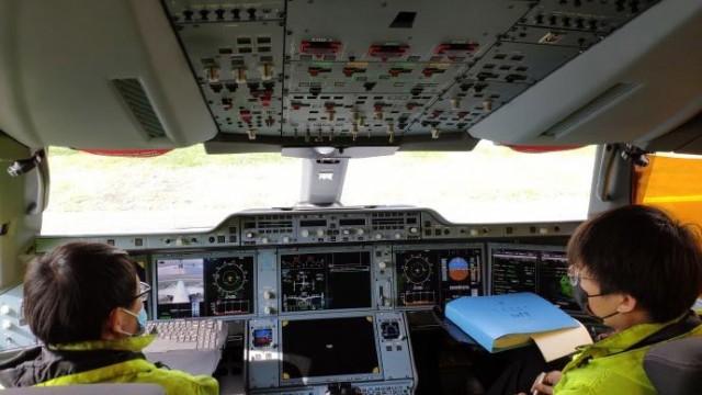 Číňané letecky přepravili 31 tun materiálu, 9 lékařů a krevní plazmu do Itálie