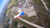 Seskok parašutistů na Letiště Václava Havla