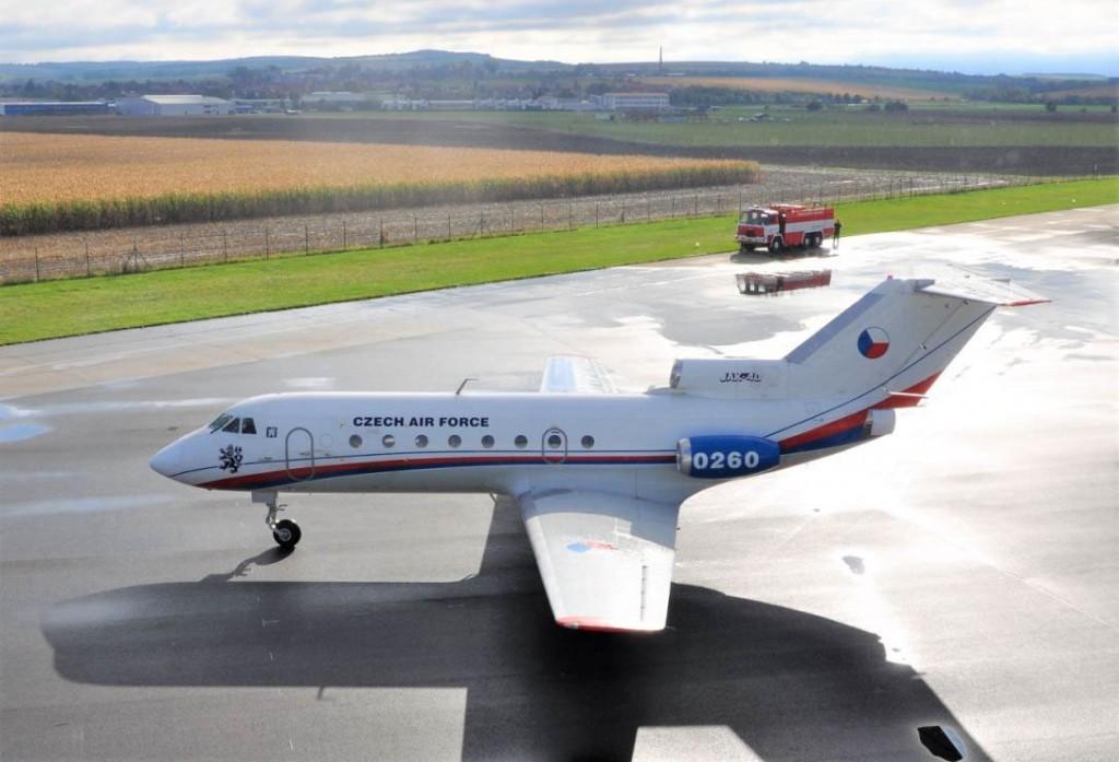 Jak-40
